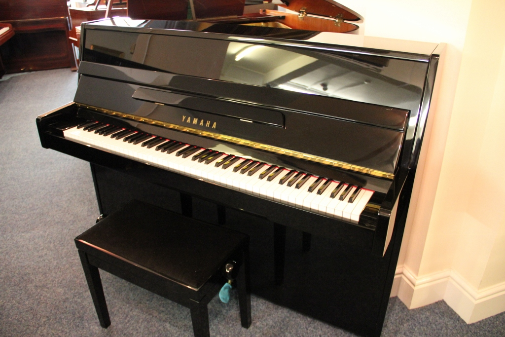 Second hand yamaha c110a modern upright piano for sale for Yamaha piano upright